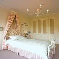 Кованая кровать КК180