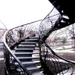 Кованая лестница на второй этаж КЛ 21