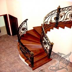 Кованая деревянная лестница КЛ 22