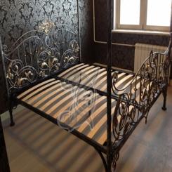 Кованая кровать металлическая КК 2