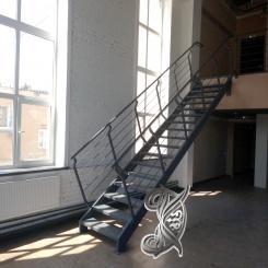 Кованая лестница в интерьере КЛ 27