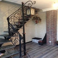 Кованая лестница с ограждениями КЛ 32
