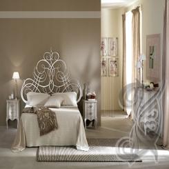 Кровать с кованым изголовьем КК 13
