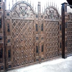 Кованые ворота под старину КВ 122