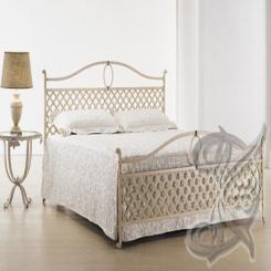 Кованая кровать белого цвета КК 15