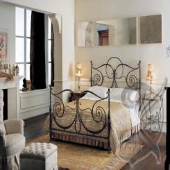 Кованая кровать черного цвета КК 24