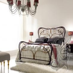 Кованая кровать под античную бронзу КК 26