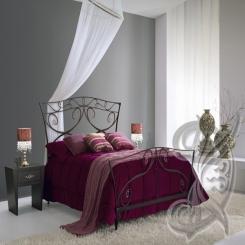 Кованая кровать черная КК 32
