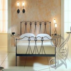 Кованая кровать с кованой спинкой КК 7