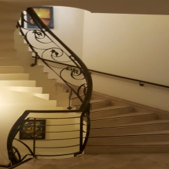 Кованая лестница модерн КЛ 38