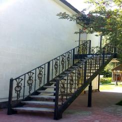 Кованая лестница уличная КЛ 39