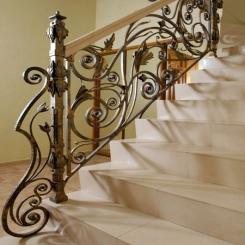 Кованый пригласительный столб для лестницы КПС 1