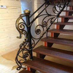 Кованый пригласительный столб для лестницы КПС 20
