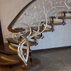 Кованый пригласительный столб для лестницы КПС 26