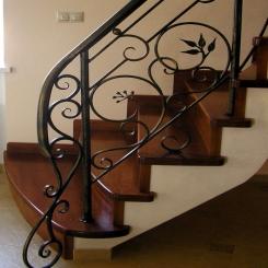 Кованый пригласительный столб для лестницы КПС 35