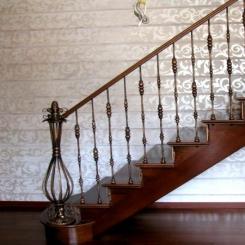Кованый пригласительный столб для лестницы КПС 41