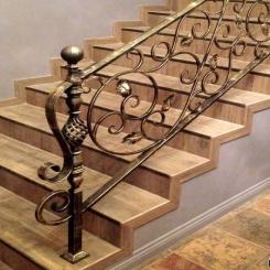Кованый пригласительный столб для лестницы КПС 45