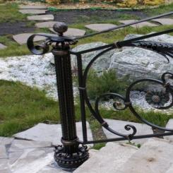 Кованый пригласительный столб для лестницы КПС 64