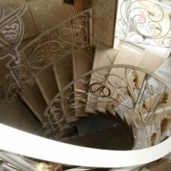 Кованая винтовая лестница КВЛ_1
