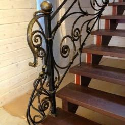 Кованый пригласительный столб для лестницы КПС_20