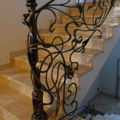 Кованый пригласительный столб для лестницы КПС_2