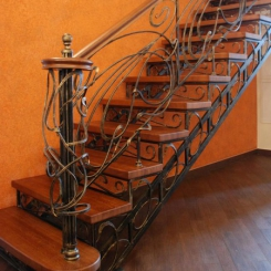Кованый пригласительный столб для лестницы КПС_39