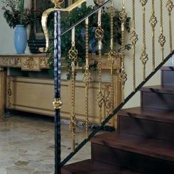 Кованый пригласительный столб для лестницы КПС_40