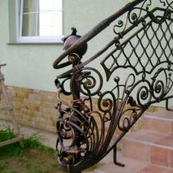 Кованый пригласительный столб для лестницы КПС_62