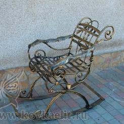 Кованое кресло качалка КК_5
