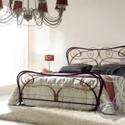 Кованая кровать под античную бронзу КК_26