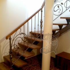 Кованая лестница с площадкой КЛ__60