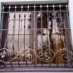 Кованые решетки на окна КР_108