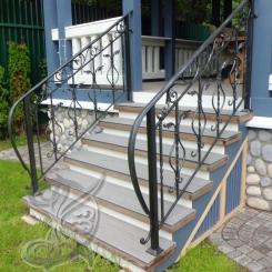 Кованые перила на лестнице в дом КП_86