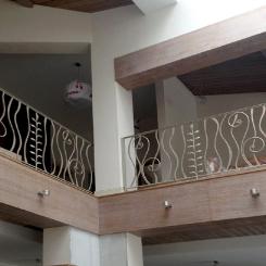 Кованые перила для балкона белого цвета КП_89